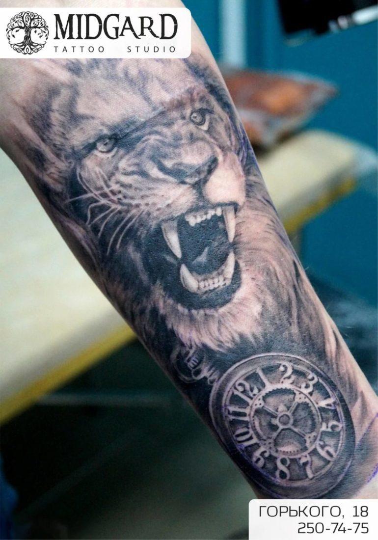 черно-белая татуировка красноярск